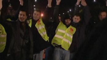 Kőolajfinomítót foglaltak a francia tüntetők