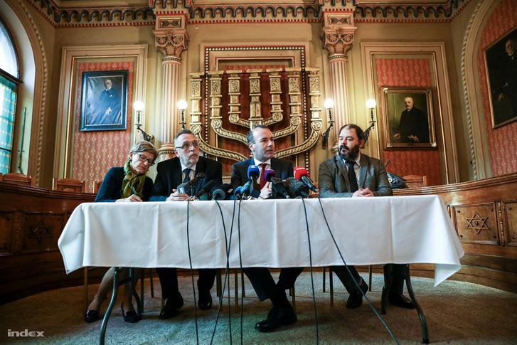 Manfred Weber sajtótájkoztatója a Dohány utcai zsinagógában