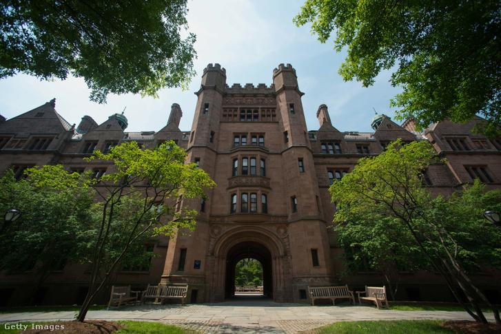 A Yale az egyik érintett egyetem.