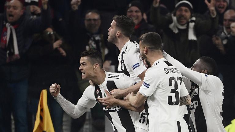 Ronaldo mesterhármassal ejtette ki az Atléticót, a ManCity gálameccset nyert