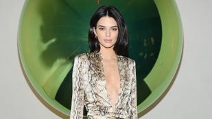 Kendall Jenner egy mini ruhában mutatta meg pusztítóan gyilkos lábait