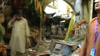 Robbantás egy pakisztáni szúfi szentélynél