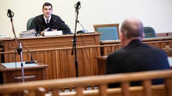 Felfüggesztett börtönnel megúszta a kitiltási botrány lobbistája