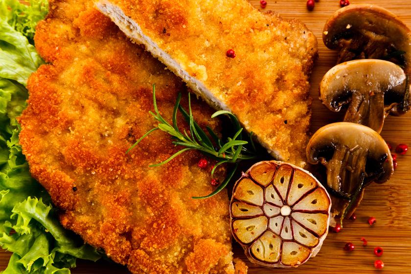 Rántott sertéskaraj fűszeres pácban érlelve, tepsiben sütve, olajszag nélkül