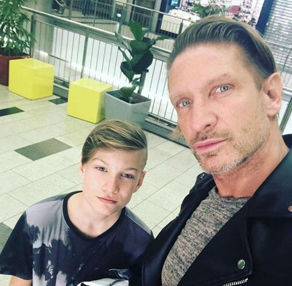 Pintér Tibor és fia, Máté le sem tagadhatnák egymást. A 13 éves kamasz tavaly még szépségversenyt is nyert.