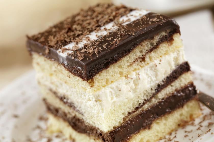 Ellenállhatatlan, triplacsokis krémes süti: emeletes élvezet