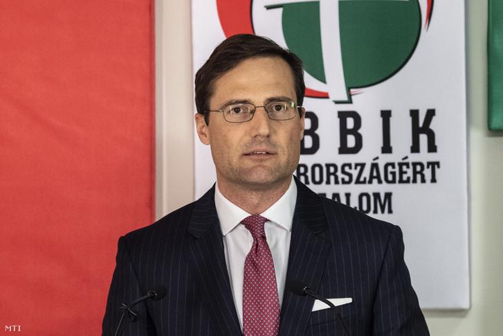 Gyöngyösi Márton áll a Jobbik európai parlamenti jelöltlistájának élén, jelentették be a sajtótájékoztatón 2019. március 13-án