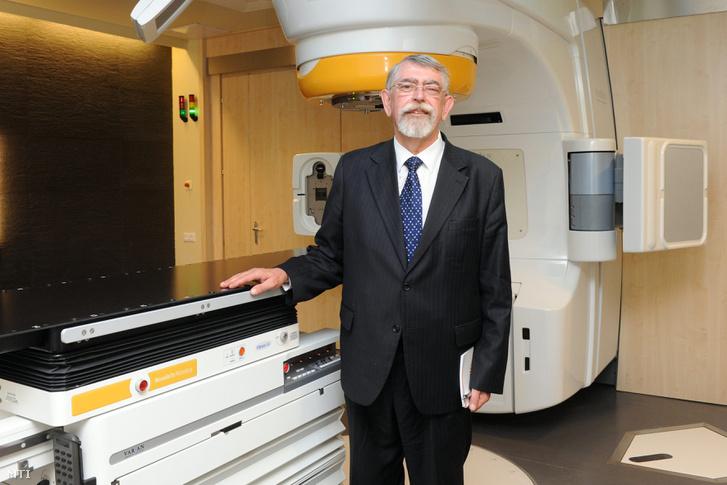 Kásler Miklós az Országos Onkológiai Intézet főigazgatójaként 2011-ben.