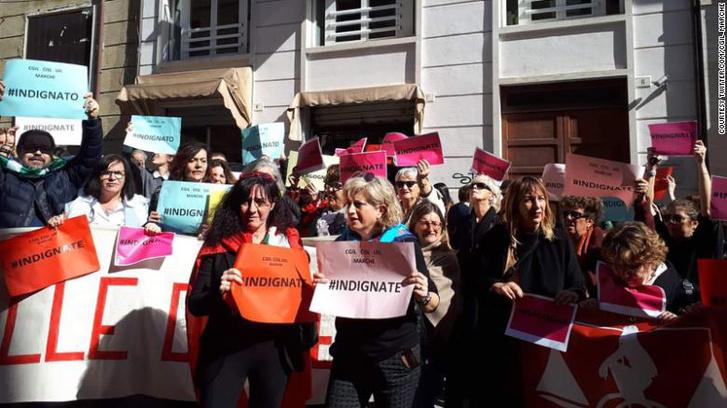 Tüntetés az ítélet ellen