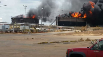 Két olajtartály robbant fel Venezuelában az Orinoco olajmezőn