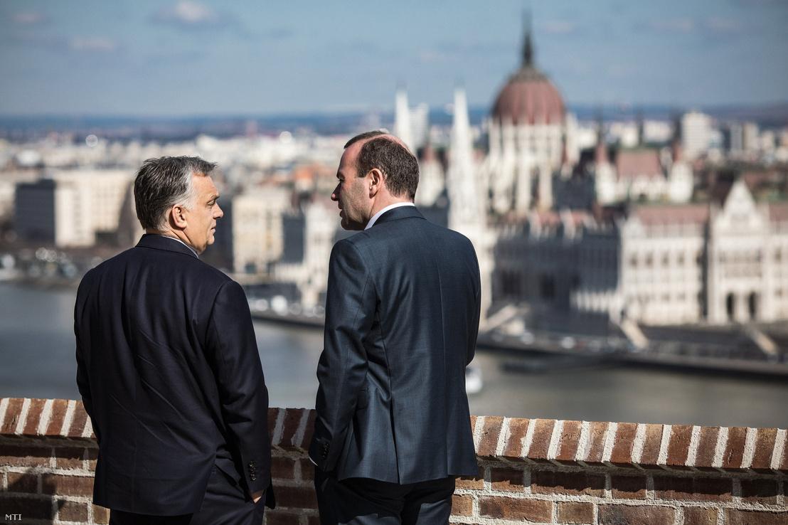 Orbán Viktor miniszterelnök és Manfred Weber, az Európai Néppárt frakcióvezetője Budapesten, a Karmelita kolostorban 2019. március 12-én.