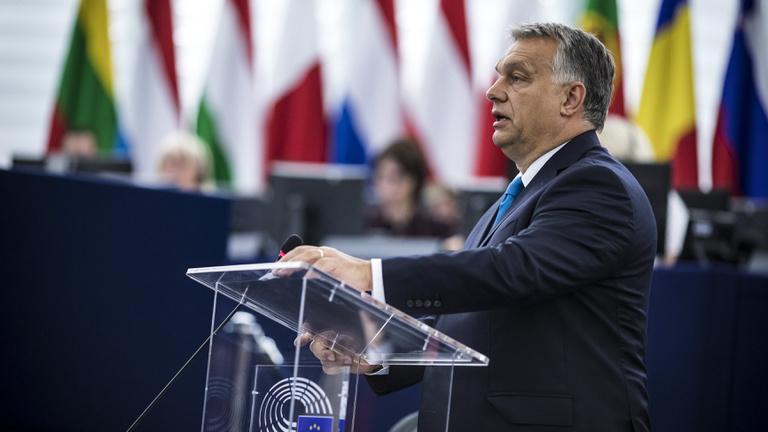 Orbán elnézést kért a néppárti ellenfeleitől