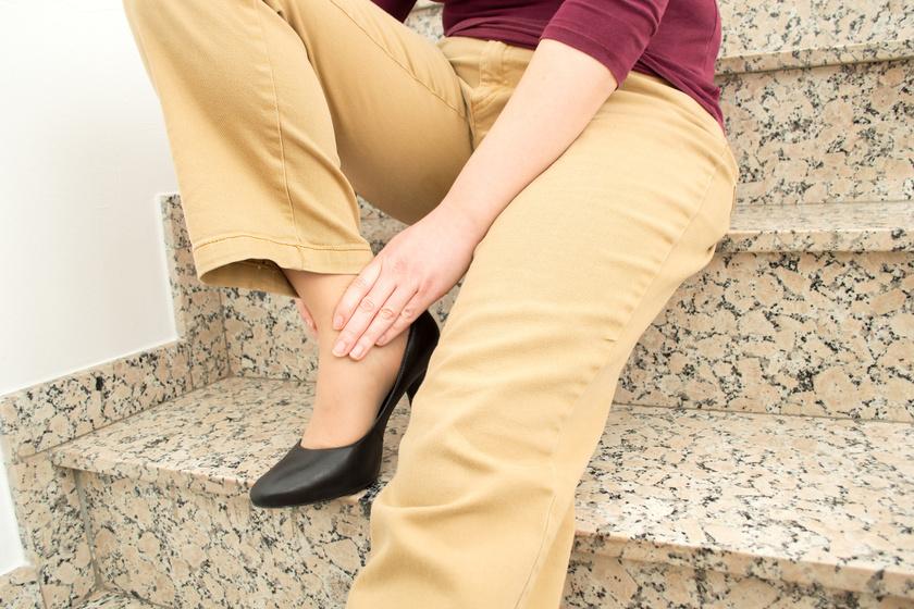 Zsibbadás és lábfájdalom lépcsőzés közben? Komoly betegség tünete is lehet