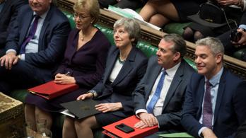 Brexit: az alsóház a kilépés elhalasztását kéri