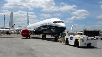 Boeing: nagy volt a verseny, elsiették a fejlesztést