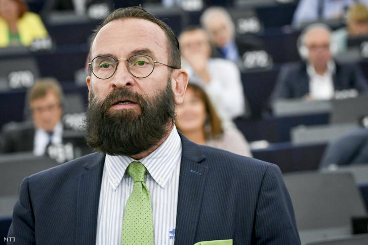 Szájer József fideszes európai parlamenti képviselő felszólal az Európai Parlament plenáris ülésén, Strasbourgban 2018. szeptember 11-én.