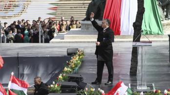 Orbán látványosan rálépett a fékre