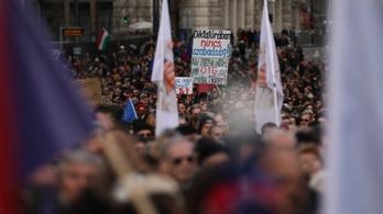 Orbán visszafogta magát, az ellenzék összefogva gyalázta őt