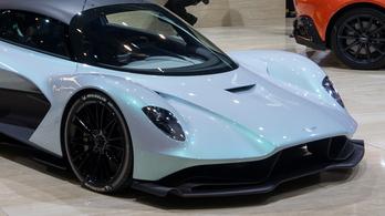 Megvan, mi lesz az Aston hétköznapi szupersportautójának a neve