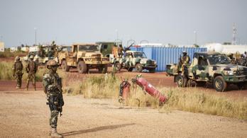 Dzsihadisták támadtak rá egy katonai táborra Maliban