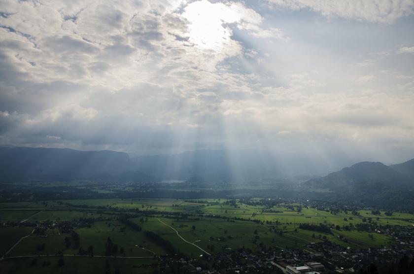felho-nap-hegyek