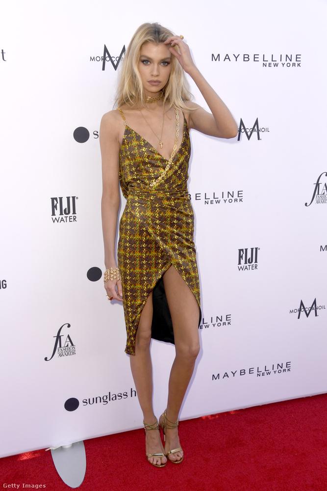 Például a 2018-ban ugyanitt év modelljének választott, egykoron Kristen Stewart barátnőjeként is számon tartott, Stella Maxwell is ott volt.