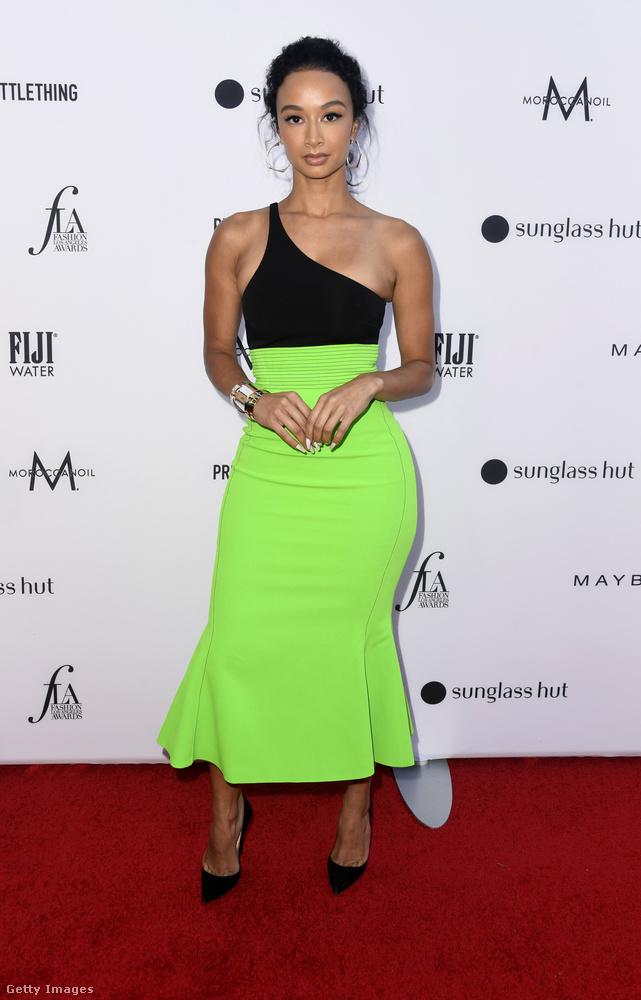 Draya Michele rikító zöld ruháját az indokolhatja, hogy rengeteg felesleges anyag maradt a láthatósági, esetleg éjszakai futáshoz kiváló, feltűnő szabadidős ruhák készítésekor.