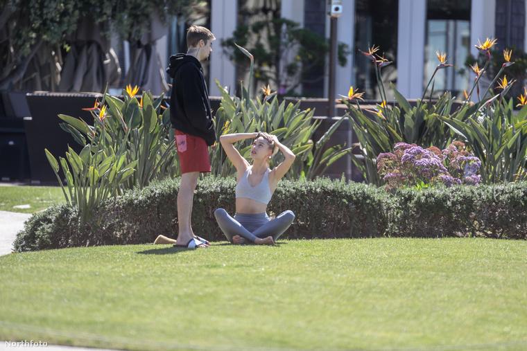 A fotókhoz annyi kommentár érkezett, hogy Justin Bieber és Hailey Bieber vitatkozik Laguna Beachen.