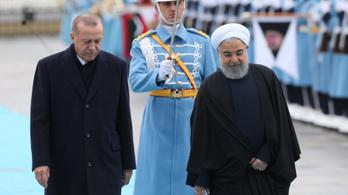 Irán és Törökország közös támadást indít a kurdok ellen