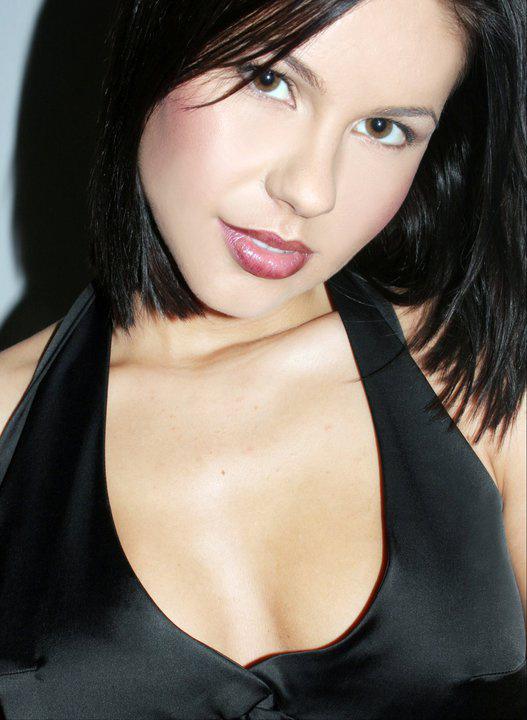 Csősz Bogi modellként sötétbarna hajjal hódított, teljesen más volt így az arcának a karaktere.