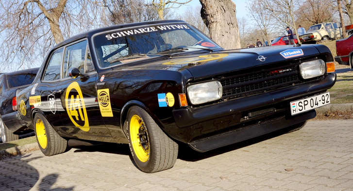 A Totalcar nyertese egy 1972-es Rekord. De nem akármilyen