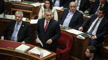 Orbán jó modort javasolt az őt Rákosihoz hasonlító jobbikosnak