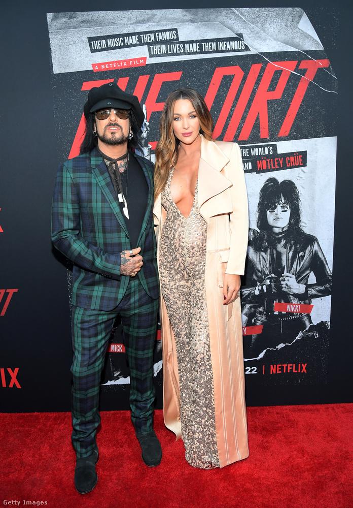 Ezen a képen Nikki Sixx látható a Mötley Crüe-ből