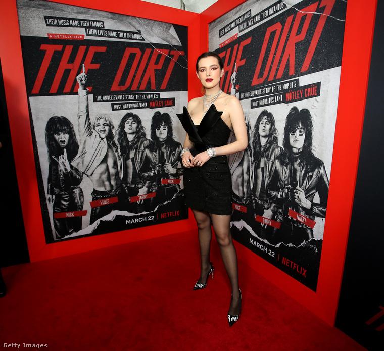 És csakúgy, mint Paris Jackson, ott volt Bella Thorne színész-énekesnő is, pedig közvetlen köze nincs ehhez a filmhez.