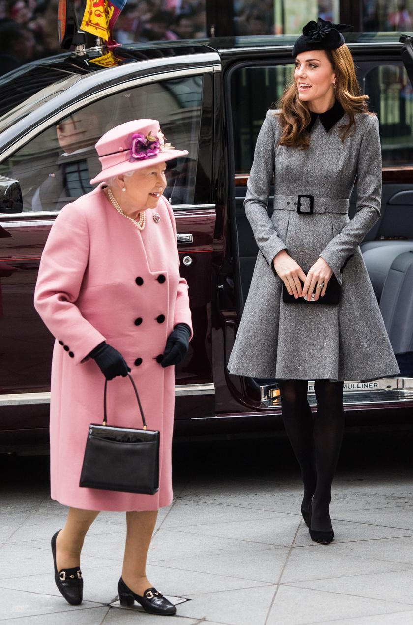 Erzsébet királynő rózsaszín ruhája ellopta a show-t: mindenki róla beszélt.