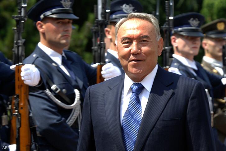 Nurszultan Nazarbajev Zágrábban 2006. július 11-én