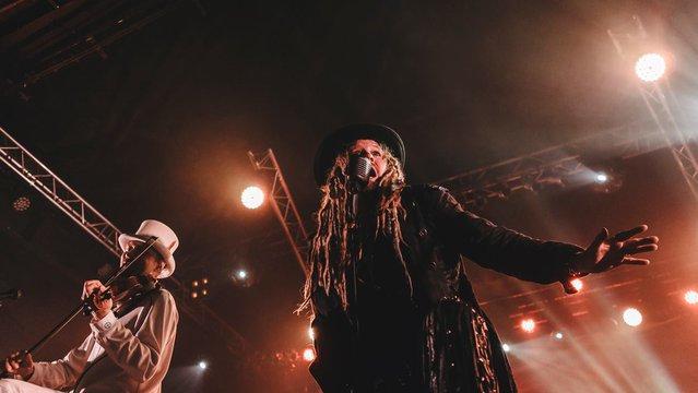Folk metal hadjárat a Barba Negrában