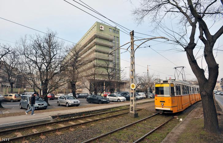 A Fővárosi Önkormányzat Péterfy Sándor utcai Kórház-Rendelőintézet és Baleseti Központ Fiumei úti telephelyének épülete
