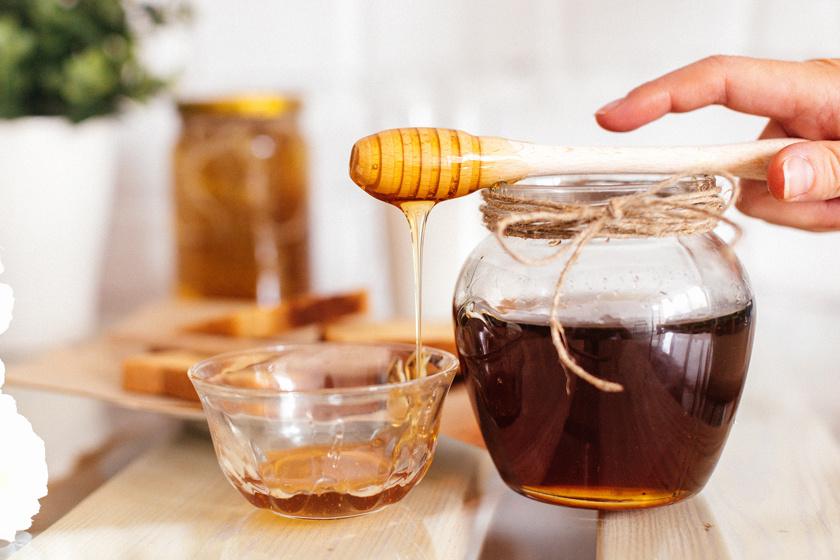 Mikor nem szabad mézet fogyasztani? Súlyos mérgezést és halált is okozhat a csecsemőknél