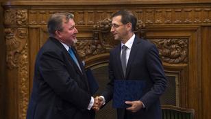 Nem vagyunk orosz kémbank – reagált a Budapestre költöző IIB