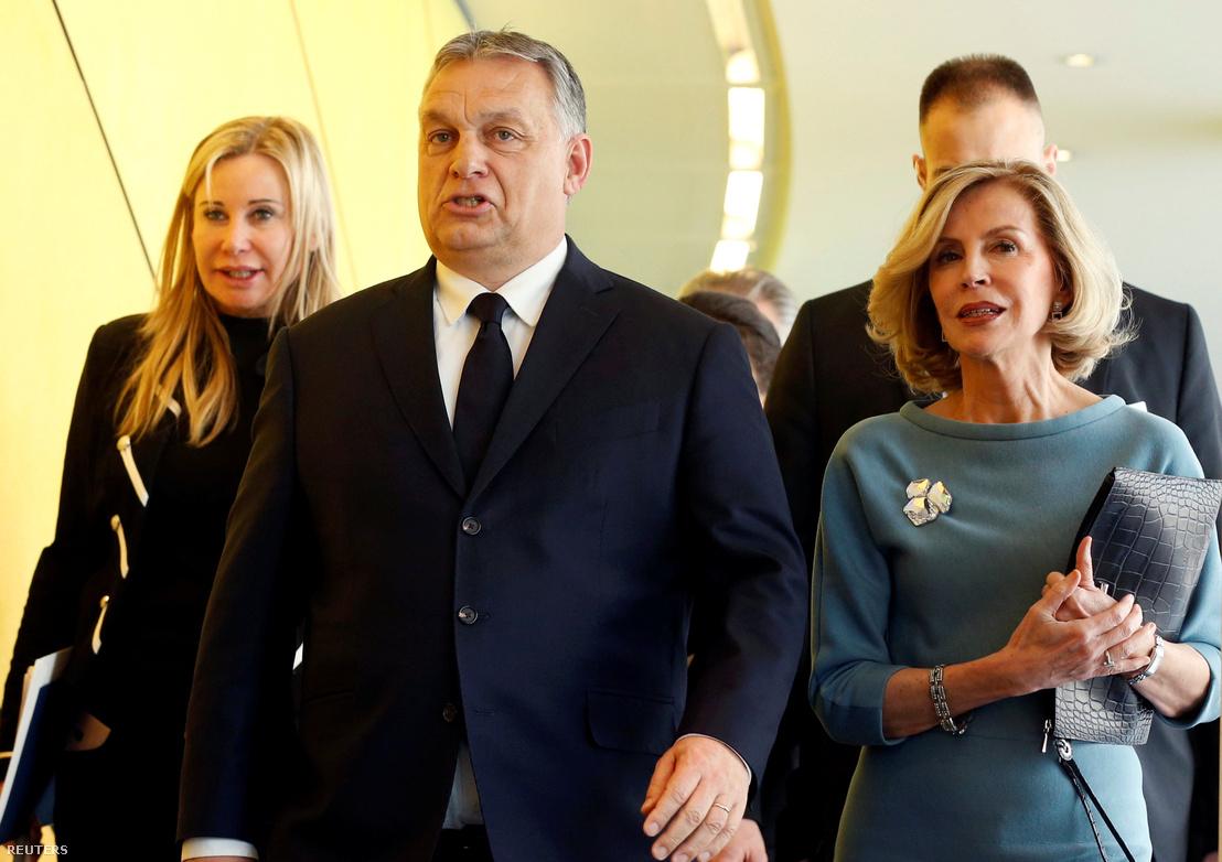 Orbán Viktor érkezik az Európai Néppárt közgyűlésére 2019. március 20-án, Brüsszelben