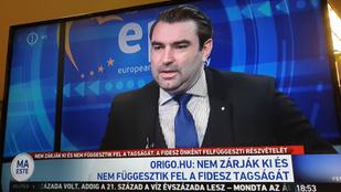 Párhuzamos valóságokkal tompítja a kormánymédia a Fidesz kikényszerített felfüggesztését