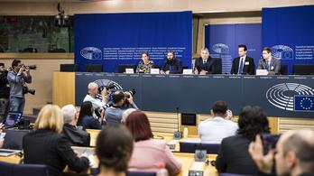 Ellenzék: Orbán veszített, Európa nem tolerálja a hazug politikáját