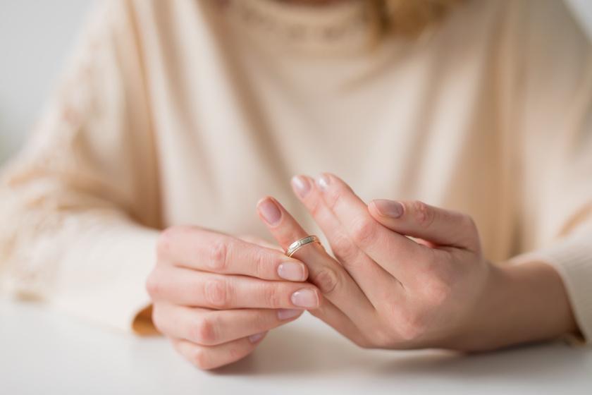 Milyen a válás utáni ragyogás? Furcsa képeket osztott meg magáról néhány nő