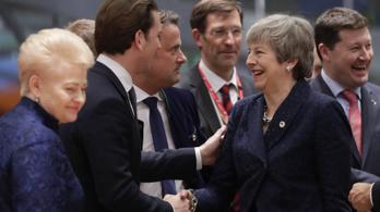 Májusig halaszthatják a brit kilépést