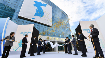 Észak-Korea hazarendelte diplomatáit a Korea-közi intézetből