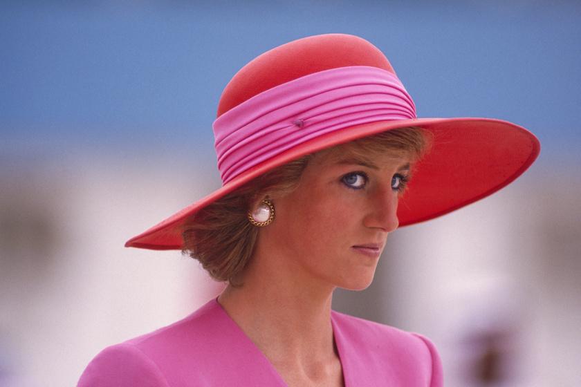 Diana 28 éves unokahúga igazi szőke szépség - A hercegnő kiköpött mása