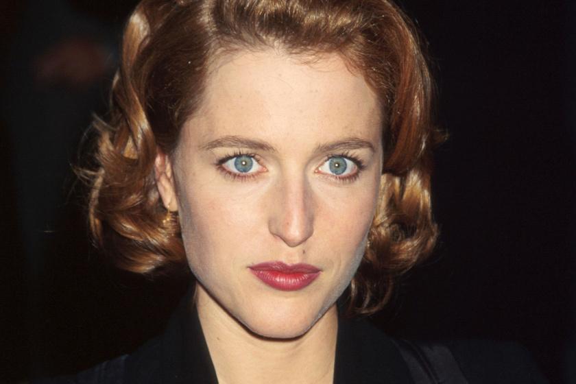Elképesztően néz ki ma az X-akták Scully ügynöke - Nem jutunk szóhoz a friss fotójától