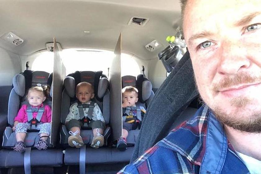 Elmés civódásgátló a gyerekek közé a kocsiba.