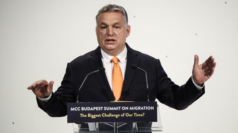 Orbán: Jöjjön már végre egy nagy ország, mert erőink végesek